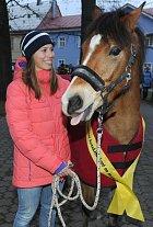 Eva Samková s darovaným koněm
