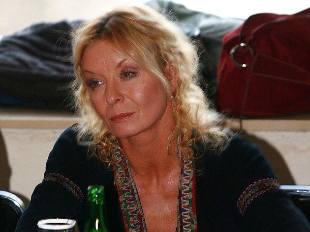 Vilma Cibulková po rozvodu prý netrpí.