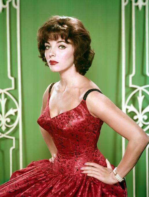 Joan byla v 50. letech hlavní konkurentkou Elizabeth Taylor.
