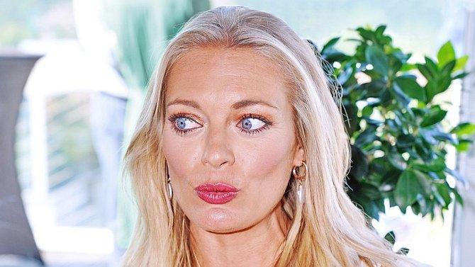 Lucie Borhyová má ráda jižní země a moře, otcem jejího syna je Řek Nico Papadakis.