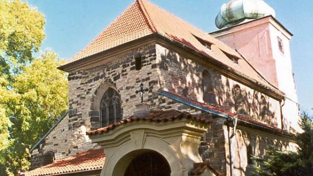 Kostel sv. Václava, jedno z míst, odkud šlo sestoupit do labyrintu.
