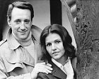 Smanželkou Cynthií vroce 1972.