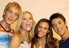 Členové kapely ABBA Teens, jak se mělo skupení původně jmenovat, byli vybírání pečlivě tak, aby splňovali hlavně podmínky barvy vlasů a odpovídali původním členům milované kapely ABBA.