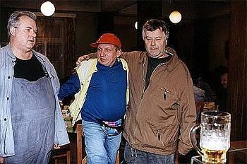 Bronislav Poloczek, Jiří Krytinář, Ladislav Potměšil v seriálu Hospoda.