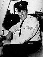 Při nehodě zahynul ipolicejní důstojník Ken Price.