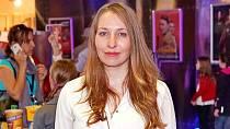 Herec Václav Svoboda se sice v nekonečném seriálu Ulice oženil s Terezou Bebarovou alias Ukrajinkou Světlanou, ale v civilním životě si na svatbu počkal dlouhých 22 let.