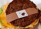 Použitou náplast v hamburgeru vážně nechcete najít.