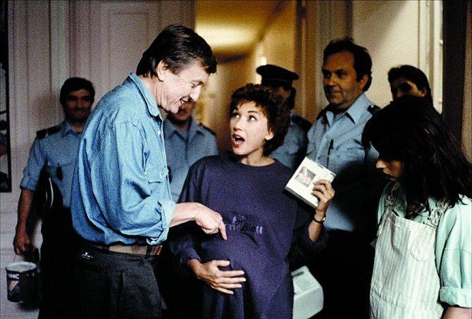 Komedie Čápi mají  svoji hlavu (1989) se samozřejmě točí kolem dětí.