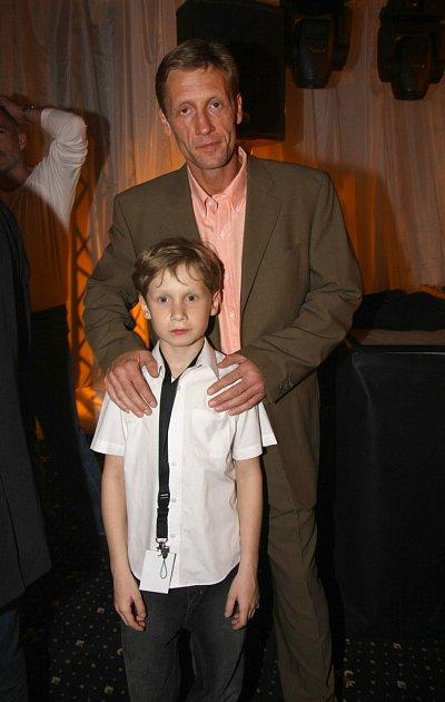 Syn je už je daleko větší, ale moderátorka ho ve společnosti neukazuje.