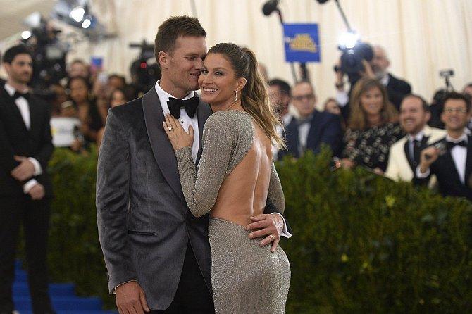 S Tomem Bradym jsou spolu více než deset let.