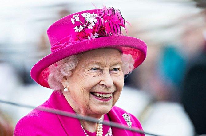 Prvním jménem dcerky je Lilibet, což je přezdívka, kterou dali rodiče královně Alžbětě II., když byla ještě malá.