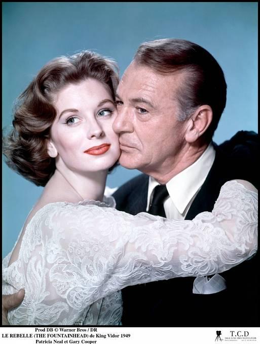 Kvůli herečce Patricii Neal opustil manželku idceru.