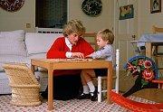 Princezna Diana se synem v dětském pokoji v Kensingtonském paláci