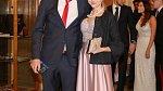 Před téměř rokem se fotbalista oženil se svou dlouholetou přítelkyní Hankou Běhounkovou.