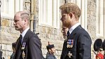 Princ Harry se účastnil pohřbu svého dědečka bez Meghan.