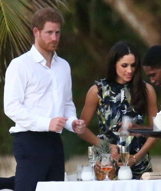 Harry si sMeghan nedávno užíval na společné dovolené.