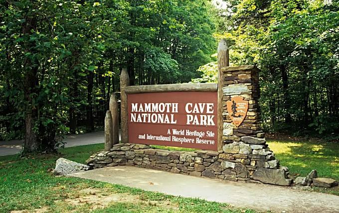 Mamutí jeskyně jsou odroku 1981 naseznamu UNESCO.
