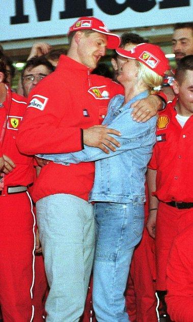 Corinna a Michael vdobách, kdy byl Schumacher hvězdou formule 1.