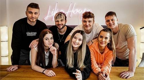 Soutěžící reality show LIKE HOUSE