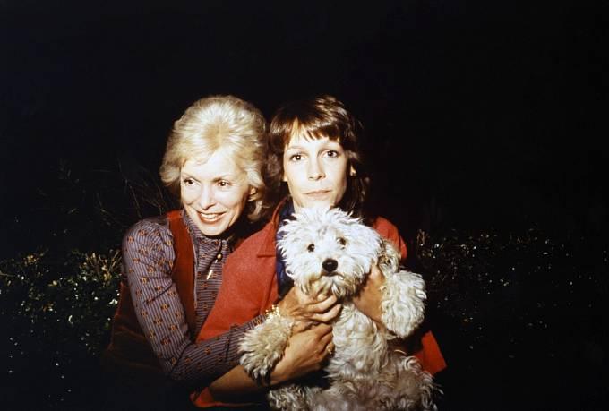 53 let: Sdcerou Jamie Lee si zahrála vhororu Mlha (1980).
