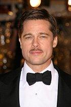 Brad Pitt: Fešák, manželovi Angeliny Jolie sluší všechno.