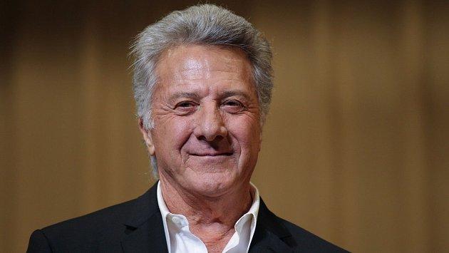 Dustin Hoffman přiznal, že bojuje s rakovinou.