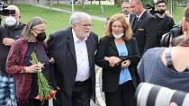 Jan Kačer se v těchto dnech rozloučil s Libuškou Šafránkovou i svojí manželkou, Ninou Divíškovou.