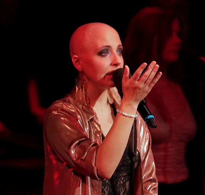 Slováčková je optimistické sluníčko, za což ji její fanoušci milují.Annička Slováčková je inspirací pro pacienty s rakovinou.