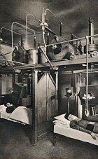 Léčba radiací v ústavu pro ženy, rok 1965.