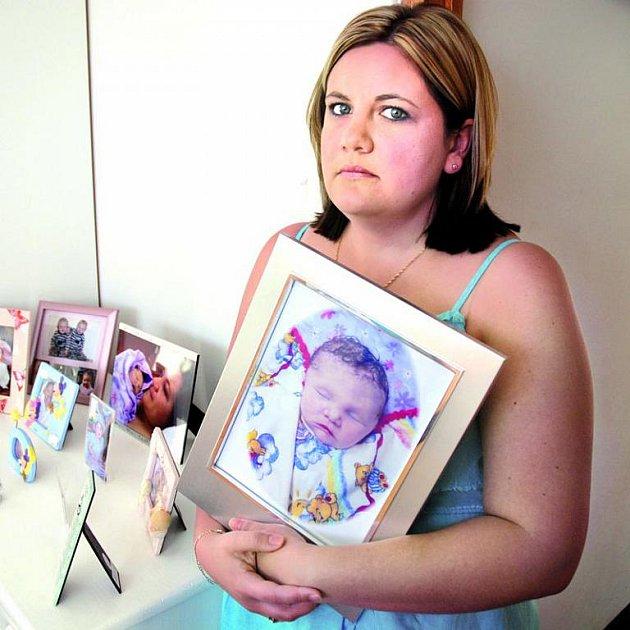Melissa Shelvers obrázky své mrtvé dcerky