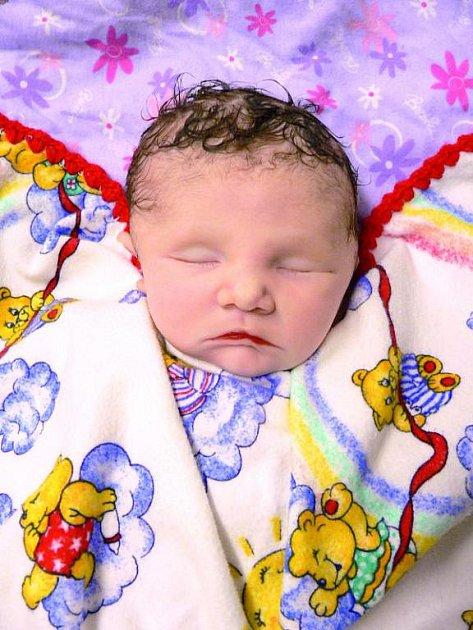 Maličká Jenna-May střelbu nepřežila. Kvůli ošklivým zraněním lékaři matce nedovolili, aby dcerku vyndala ze zavinovačky.