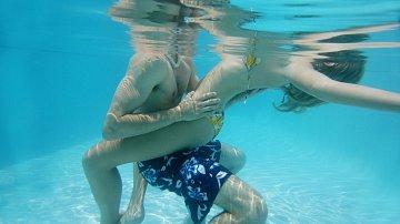 Lze při sexu ve vodě otěhotnět? Co myslíte?