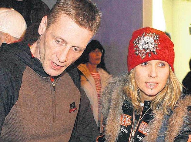 Tereza Pergnerová se svým partnerem Jiřím Chlebečkem nemají důvod k radosti. Jiřímu zemřel bratr.