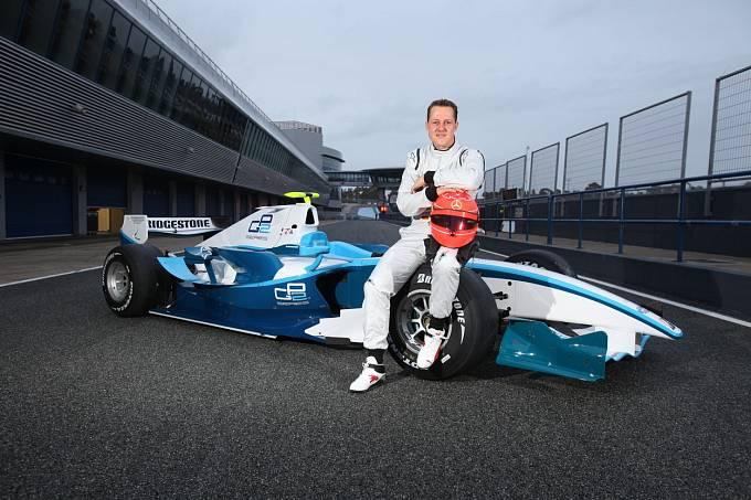 Michael Schumacher prodělal před osmi lety takřka fatální nehodu.
