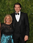 Bradley Cooper a Gloria Campano