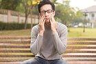 Bolest zubů umí být nesnesitelnější než tchýně.