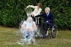 ALS Ice Bucket Challenge před rokem pohltila svět.