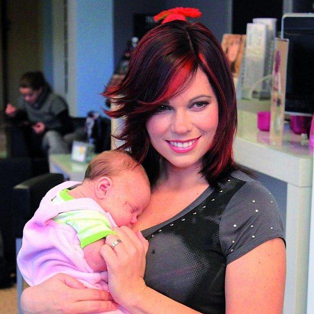 PO: Změna image i mateřství jí velmi prospělo.
