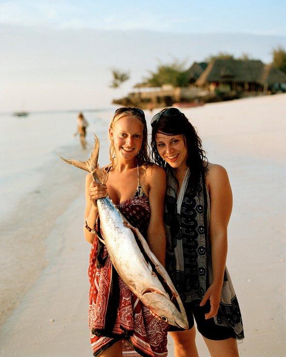 Turistky si koupily vlastního tuňáka.