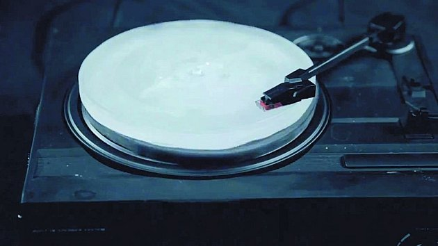 Shout Out Louds hrají alternativní rock a alternativní je i jejich gramodeska.