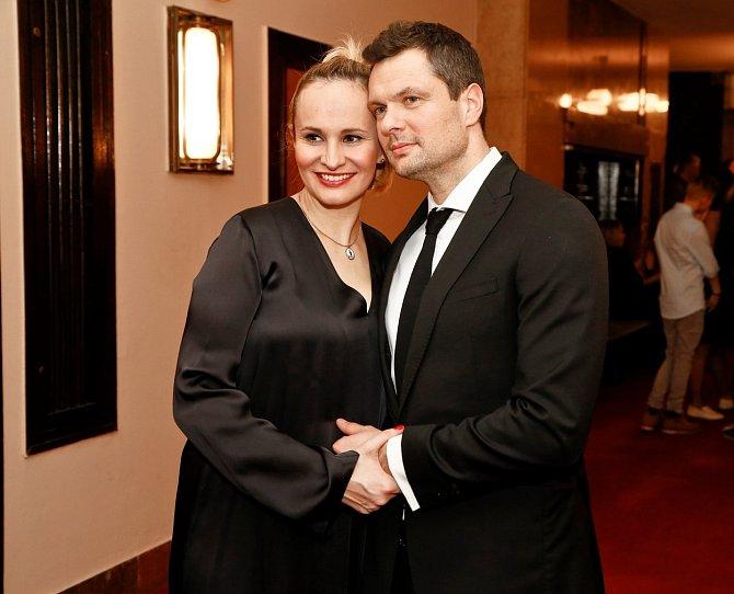 Monika Absolonová se snažila svému partnerovi s umořením dluhů pomoct.