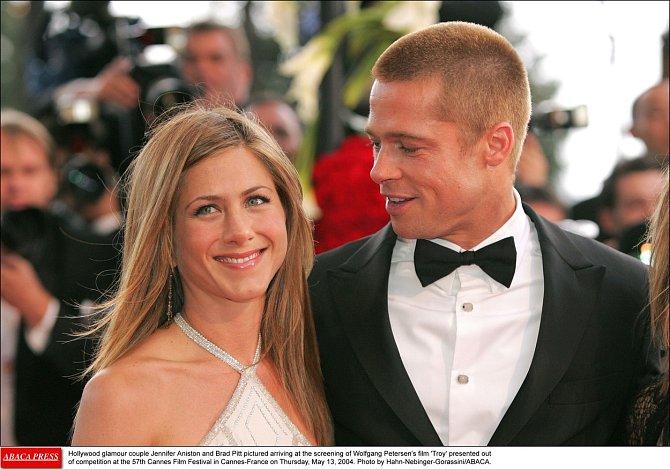 Jennifer Aniston a Brad Pitt se rozvedli kvůli Angelině Jolie v roce 2005.