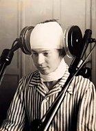 Elektrické výboje měly uklidnit pacienta, který prodělával nějaký psychický stres.