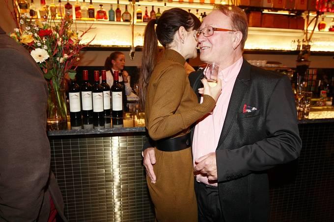 Alice Jandová a Petr Janda jsou jako mladí milenci.