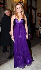 Iveta Bartošová měla krásné šaty.