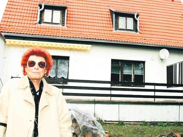 Herečka Jana Andresíková teď musí řešit nejen komplikace s opravou domu, ale navíc i operaci náhradního ramenního kloubu.