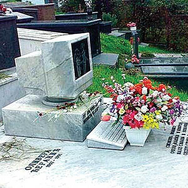 Hlubok hrob