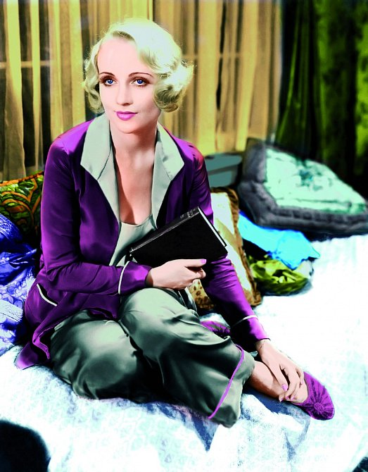 Carole vytvořila prototyp platinové blondýny.