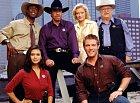Seriál, který se natáčel v letech 1993-2001 mapuje příběh texaského rangera Walkera a jeho přátel. Každý díl řeší jiný případ a všechno vždycky dobře dopadne. Walker je zkrátka boží a vyřeší vždycky všechno.