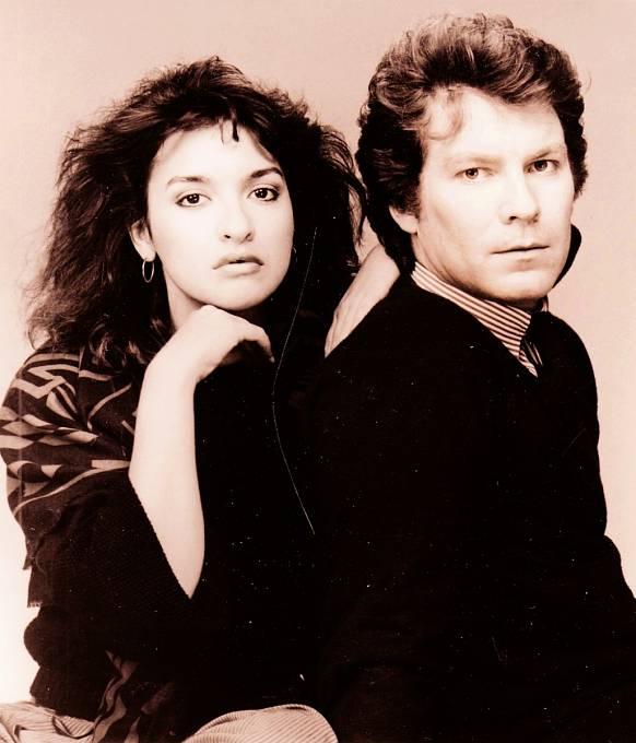 Seriál Oženil jsem se sDorou (1987). Nasnímku sElizabeth Peňa.